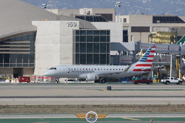 "Embraer ERJ-175LR ""American Eagle"" immatriculé N212NN"