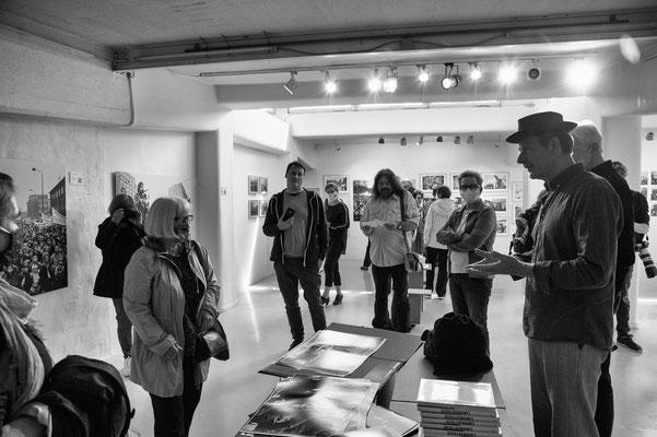 Die Ausstellung stieß auf reges Interesse.