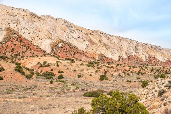 Waterpocket Fold Burr Trail Notom Utah Capitol Reef National Park Glen Canyon National Recreation Area i go places igoplaces.de