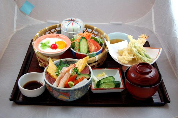 昼御膳 海鮮・天ぷら小町
