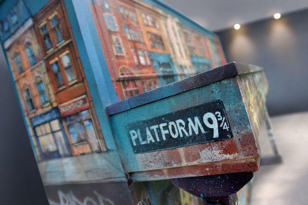 """<alt=""""piano custom streetart graffiti music piano customisé personnalisé peint décoré peinture artiste peintre art londonien londres london united kingdom"""">"""