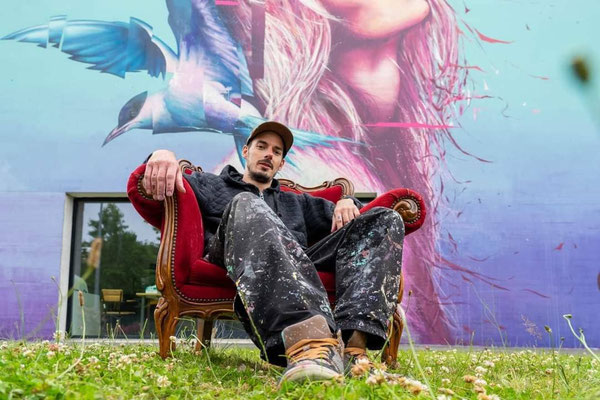 "<alt=""art urbain GRAFFMATT artiste peintre urbain festival just do paint édition 4 2021 streetart portrait artiste photo graffmatt artiste peintre chambéry savoie lyon paris france"">"