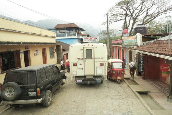 Enge Strassen in Chichi Castenango