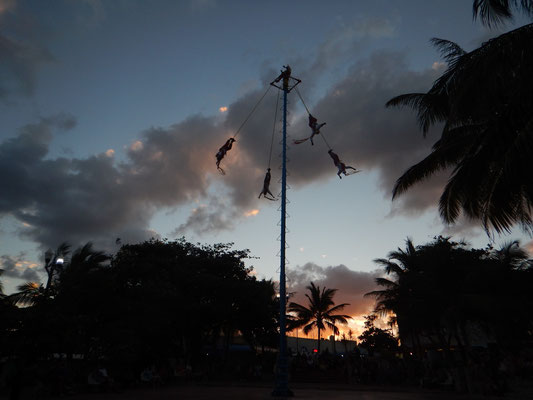 Voladores in Playa del Carmen