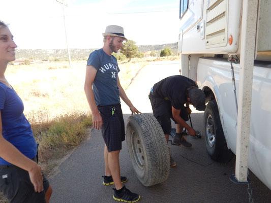 Schweisstreibender Reifenwechsel