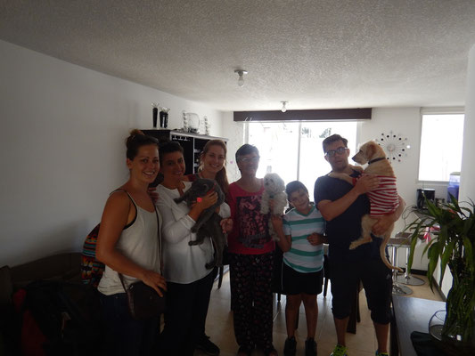 Mit Veros Familie in mitad del Mundo