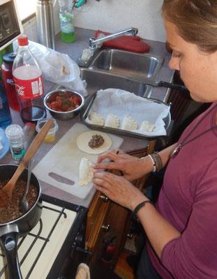 am Empanadas machen