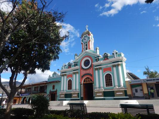 Vilcabamba Dorfplatz. Hier trifft sich Jung, Alt und Uralt