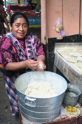 ...serviert mit frischen Tortillas