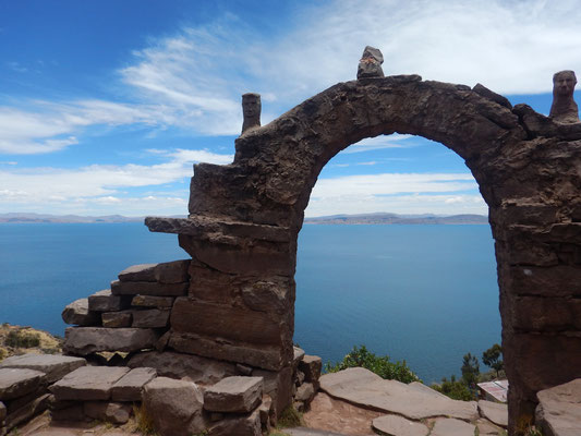 Isla Taquile-überall mit Steinbögen bestückt