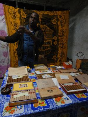 Zigarrenverkauf im Hinterzimmer