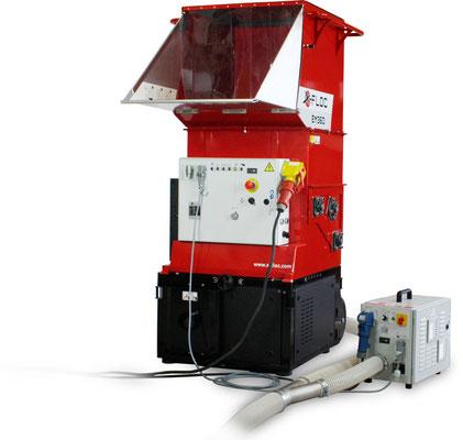 Verstärker VS33 beim Einblasen
