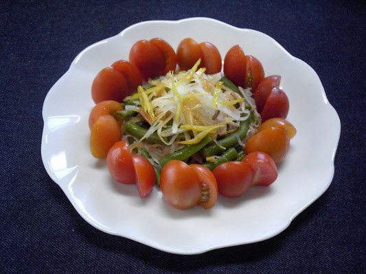 #野菜サラダ #トマト #インゲン #ニンジン #タマネギ