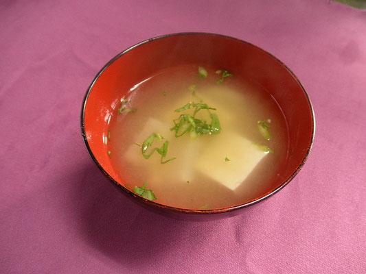 #豆腐とカブの味噌汁