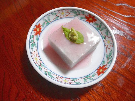 #サトイモ豆腐の梅酢あん