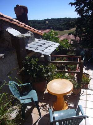 Pequeña terraza, dando a la cocina