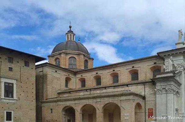 Duomo di Urbino, fianco laterale e cupola