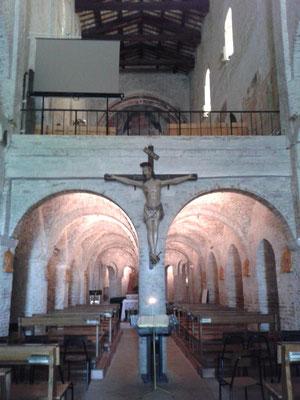 Interno S. Maria a Piè di Chienti, Montecosaro