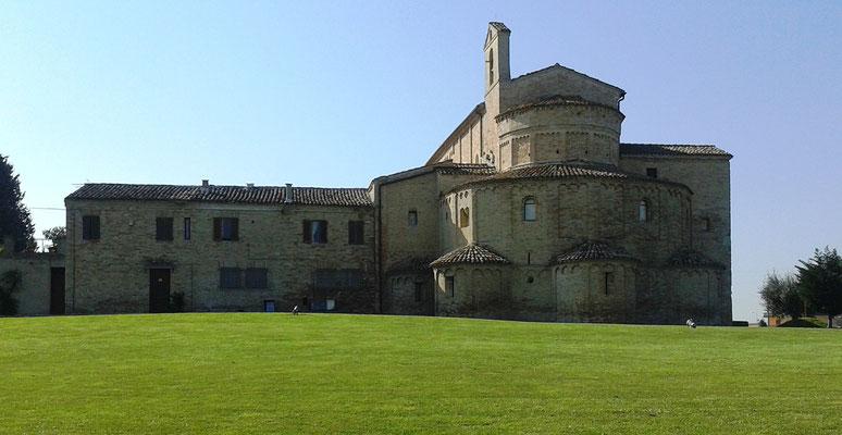 S. Maria a Piè di Chienti, Montecosaro