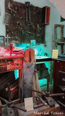 Castelfidardo, Museo della Fisarmonica - Bancone da lavoro