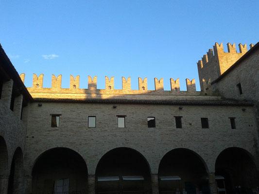Interno Castello della Rancia - Tolentino