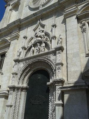 Portale Basilica di S. Nicola