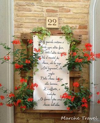 Recanati, poesie per le vie del borgo