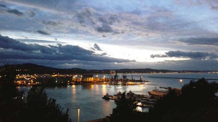 Ancona, Tramonto sul porto