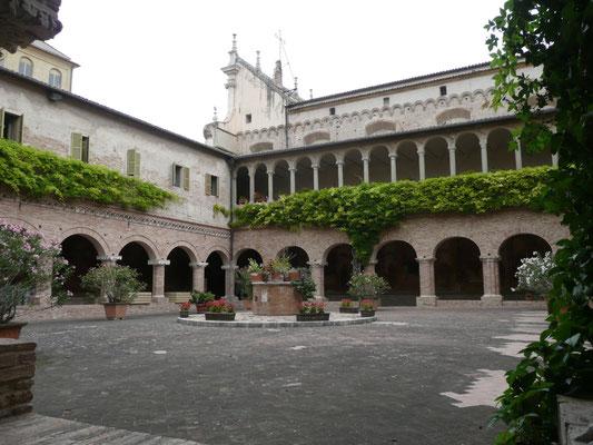 Chiostro Basilica di S. Nicola