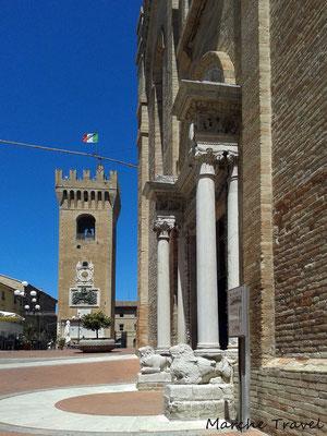 Recanati, Torre del Borgo e Chiesa di San Domenico