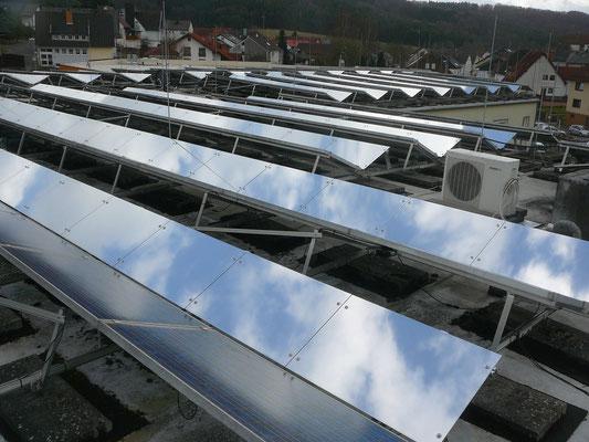Gesamtansicht der PV-Dachanlage