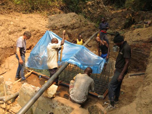 Betonieren des Fundaments