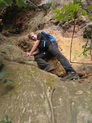 Kletterpartie an der Felskante
