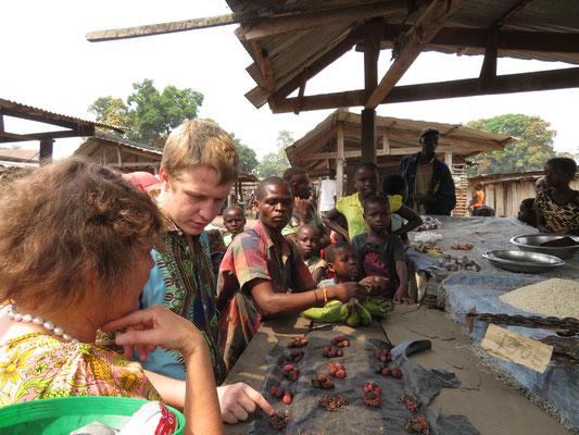 Einkauf von Pfeffer in Kasongo-Lunda