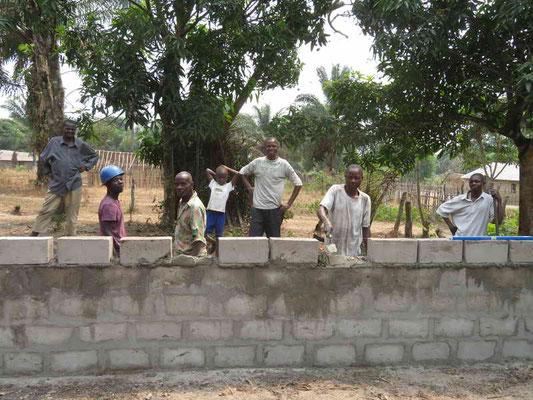 Mauerbau mit Zementsteinen
