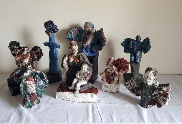 Piéta de l'Apocalypse en Bleu-Blanc-Rouge- Terre cuite de 8 sculptures 2016