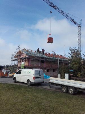 Dachdeckung eines Einfamilienhauses