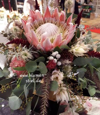 Brautstrauß mit Protea
