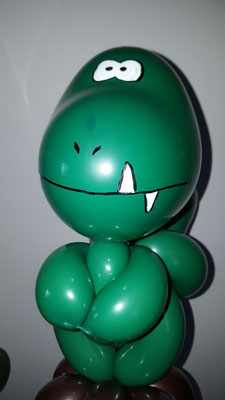 T-Rex sculpture ballon