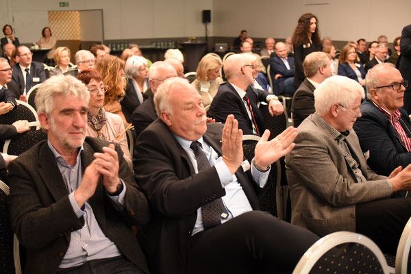 Blick ins Publikum der Podiumsdiskussion (Foto: Rolf Purpar, Agentur Pur)