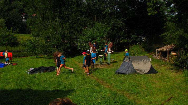 Wir packen die Zelte