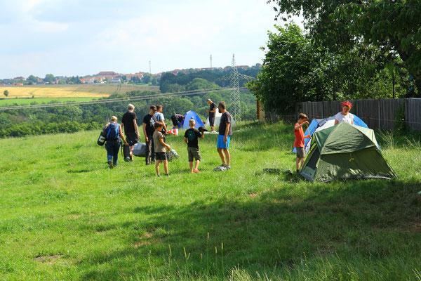 Die ersten Zelte