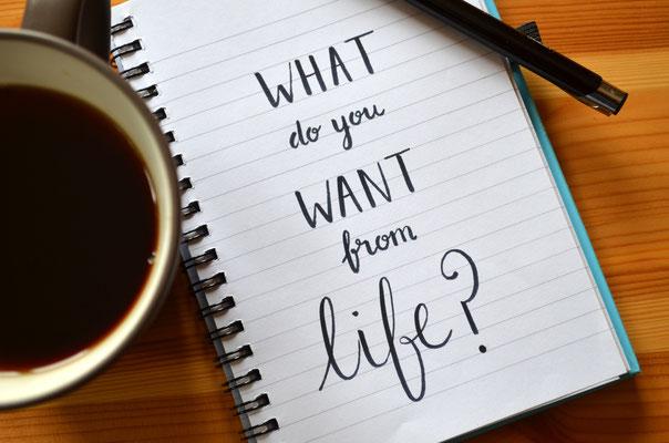 """heft mit der Audschrift """"What do you want from Life?"""" Was erwartest du von deinem Leben? Möchtest du den Weg aus der Krise schaffen und resilienter werden? Dann melde dich bei mir."""