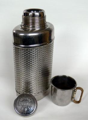 Bild: Ovale Form,  Original Thermos der  Fa. R. Burger & Co. nach 1904