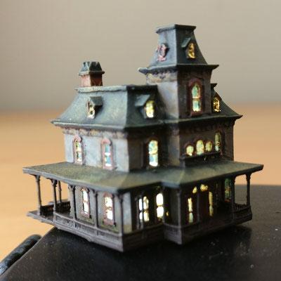 MarTiny Creations  - Phantom Mansion with light