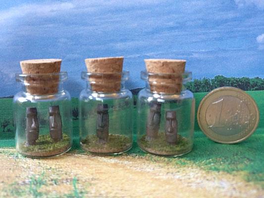 MarTiny Creations - Moai in bottle