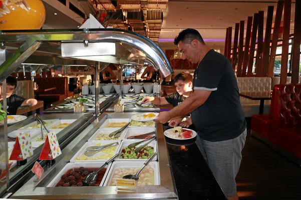 Asiatisches Buffet in Konstanz Obst und Früchte