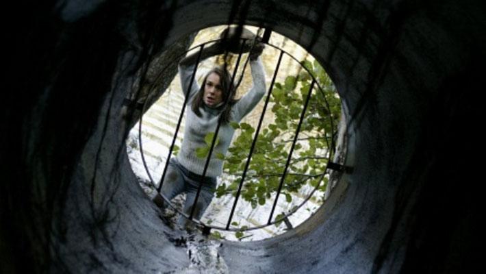 Drowning Ghost - Le Fantôme Du Lac de Mikael Hafström - 2004 / Epouvante - Horreur