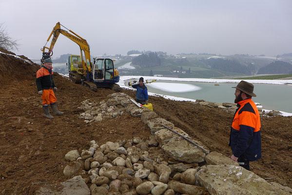 Bau der Trockensteinmauern
