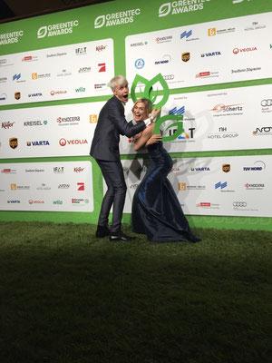 Vico Mulsow und Lea Marlen Woitack beim GreenTec Award 2016